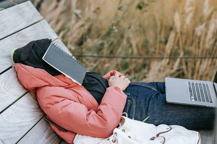 Перед сном нельзя употреблять продукты с содержанием сахара (Фото: unsplash.com).