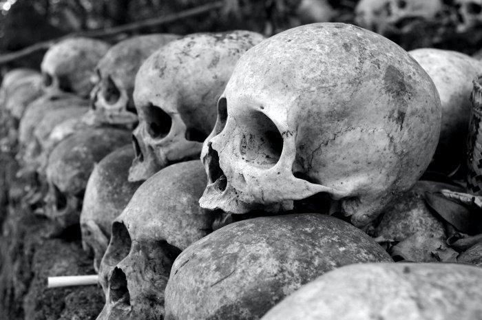 В исследовании приняли участие 47 сотрудников морга и 81 работник кладбища (Фото: unsplash.com).