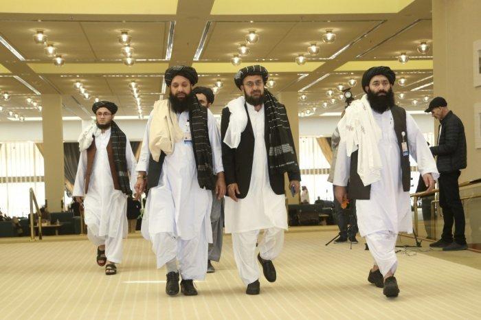 Делегация талибов на переговорах в Дохе. (Фото: yandex.ru).