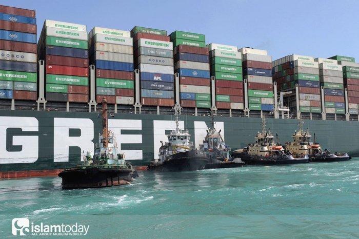 Какие есть альтернативы Суэцкому каналу? (Фото: Suez Canal Authority).