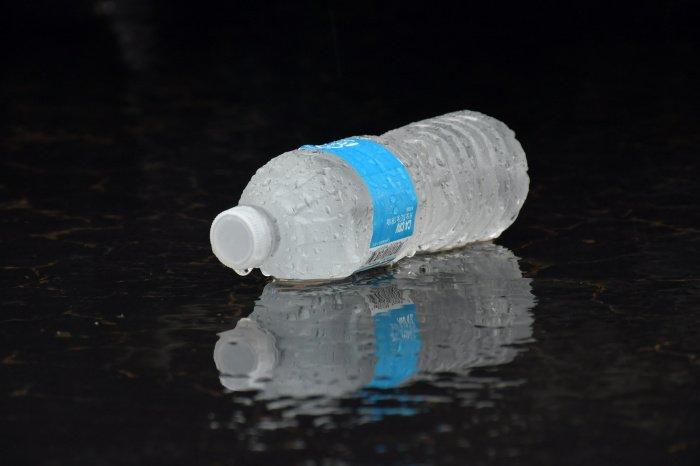 Наиболее полноценную воду можно получить дома благодаря фильтру для воды (Фото: unsplash.com).