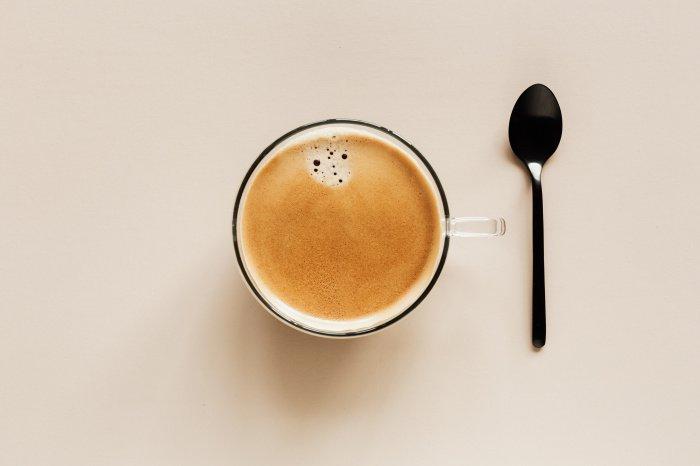 Зависимость от бодрящего напитка формируется быстро (Фото: unsplash.com).