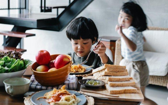 Неразборчивость в еде приводит к различным осложнениям (Фото: unsplash.com).