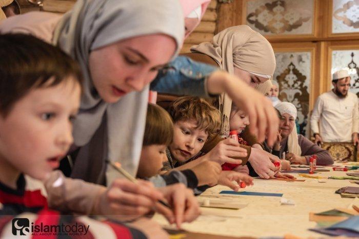Рамадан – время добрых дел (Источник фото: freepik.com).