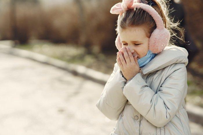 Если болезнь запустить, то может развиться бронхиальная астма (Фото: unsplash.com).
