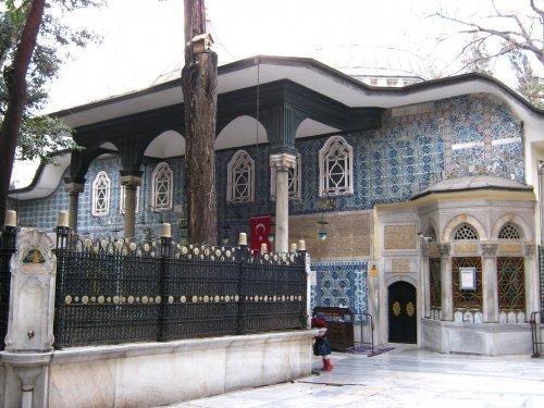 Гробница Абу Айюба аль-Ансари (Источник фото: google.com).