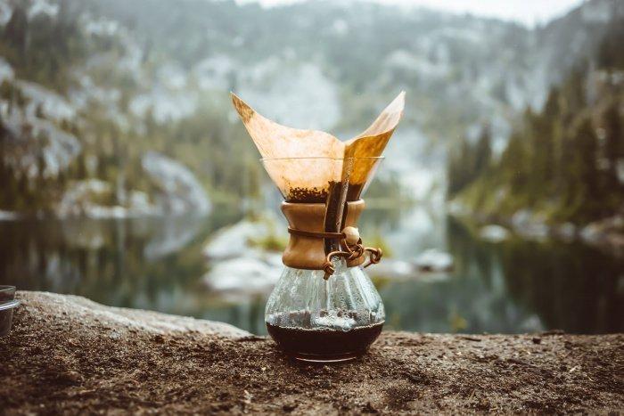 Кофеин укрепляет связи между различными отделами головного мозга (Фото: unsplash.com).