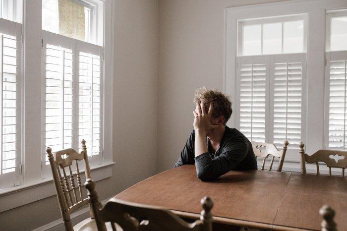 Неправильный прикус провоцирует головные боли (Фото: pexels.com).