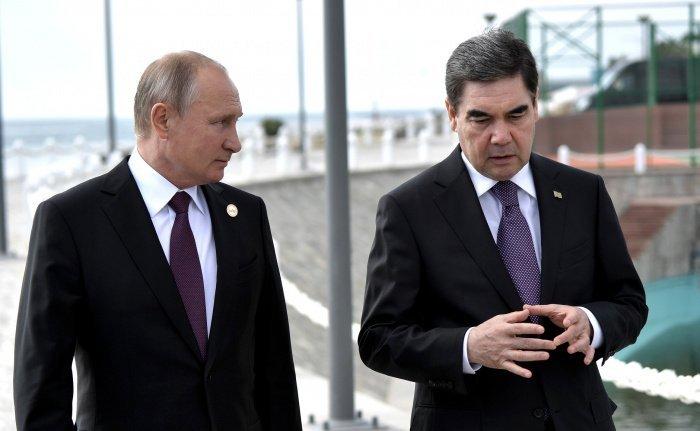 Путин и Бердымухамедов на одной из предыдущих встреч. (Фото: yandex.ru).