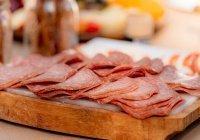 Ученые разработали колбасу для худеющих