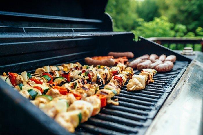 Нежирные сорта мяса считаются безопасными (Фото: unsplash.com).