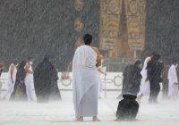 На Мекку обрушились небывалые дожди (Видео)