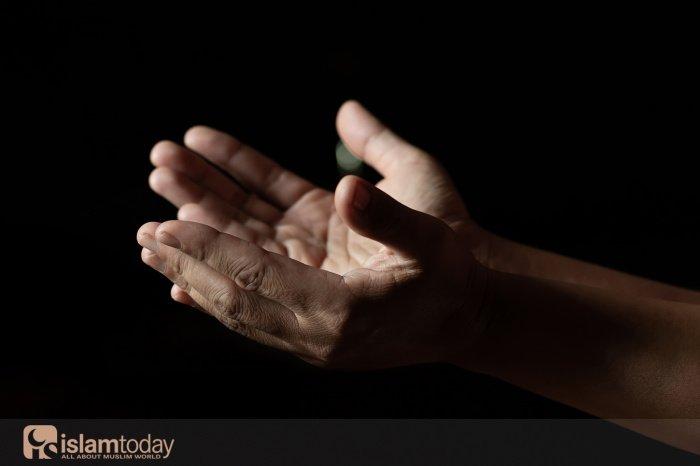 На чем основаны религии монотеизма? (Источник фото: freepik.com).