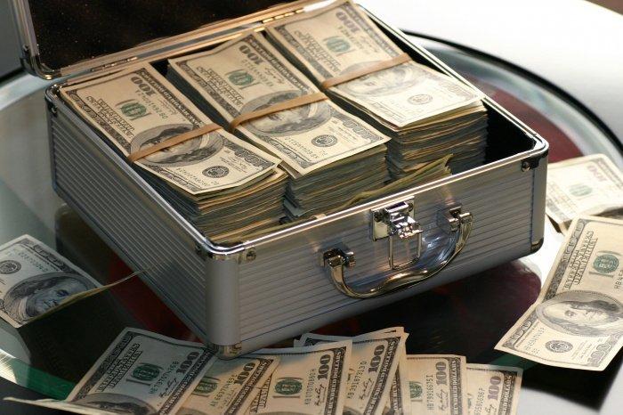 Российские богачи тратят деньги на яхты и элитное жилье (Фото: unsplash.com).