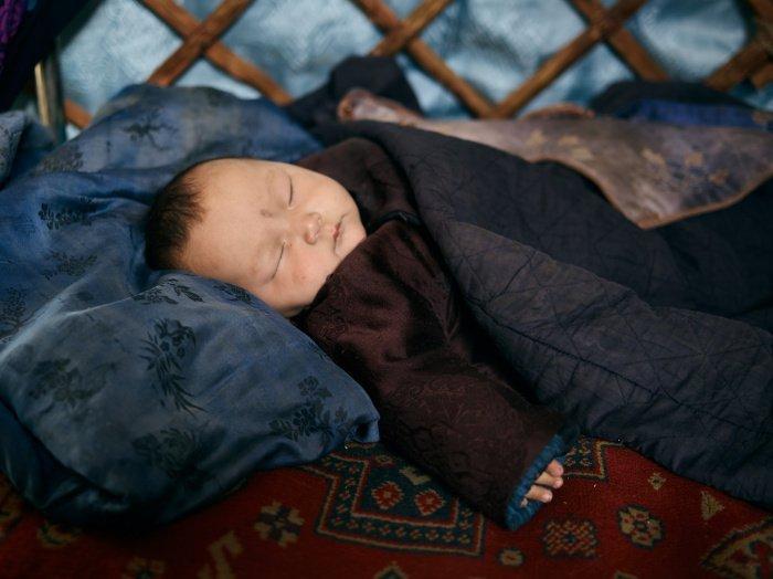 Не стоит полностью отказываться от будильника и сильно отклонятся от привычного графика (Фото: unsplash.com).