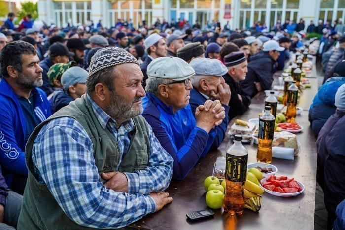 Магомед Магомедов: «Ураза-байрам позволяет человеку укрепить узы братства»