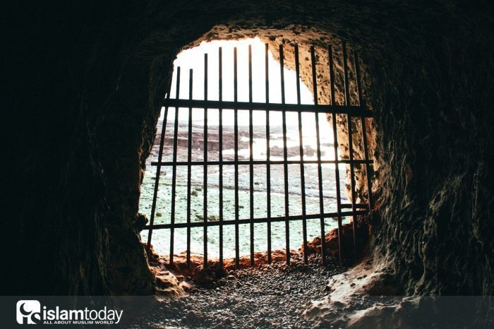 Халиф, построивший первую тюрьму (Источник фото: unsplash.com).