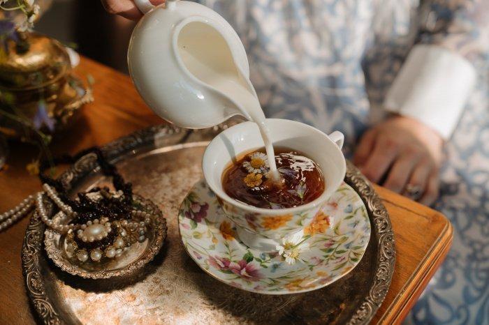 Кофеин и таурин в составе чая мешают усвоению кальция (Фото: unsplash.com).