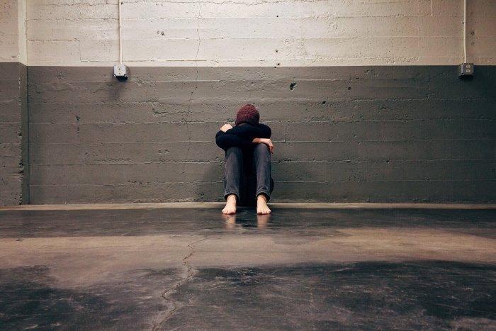 Длительное пребывание в депрессии приводит к проблемам со здоровьем (Фото: unsplash.com).