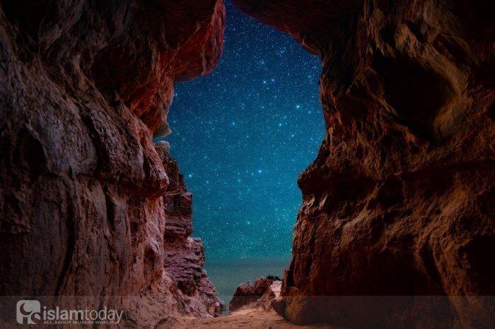Что случилось 1400 лет назад в Ночь Предопределения? (Источник фото: unsplash.com).