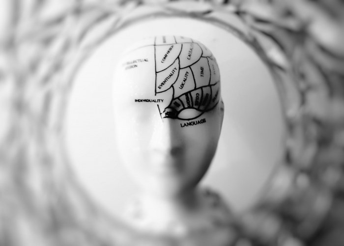 С возрастом влияние поведения на мозг возрастает (Фото: unsplash.com).