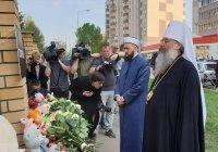 Муфтий и Владыка посетили казанскую школу, где произошло массовое убийство