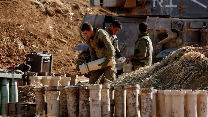 Израильские войска на границе с Газой. (Фото: © REUTERS / Amir Cohen).