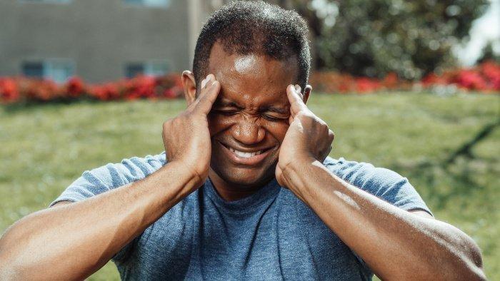 Не стоит терпеть головную боль больше трех дней (Фото: unsplash.com).