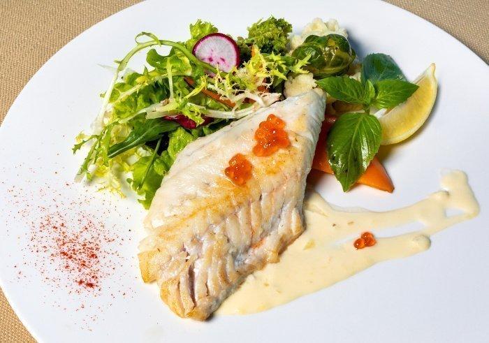 Рыба обладает кроворазжижающим свойством (Фото: unsplash.com).