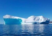 От Антарктиды откололся самый большой айсберг