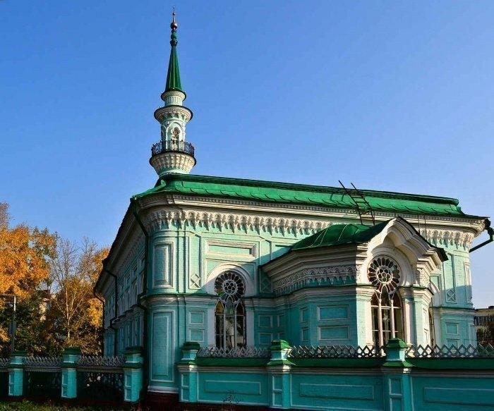 Азимовская мечеть в Казани (Фото: tourister.ru).