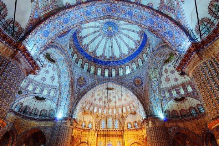 18 самых красивых и необычных мечетей мира