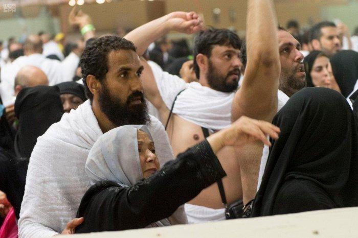 Обряд хаджа: в чем смысл побивания шайтана камнями?