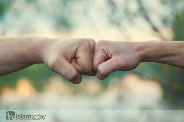 Выбор между верой и неверием (Источник фото: freepik.com).