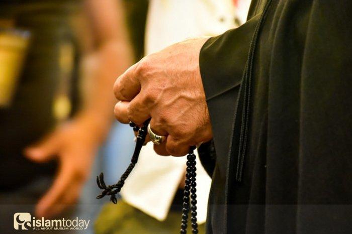 «Аскетизм – это оставление всего, что отвлекает от Всевышнего Аллаха» (Фото: unsplash.com, @mhrezaa)