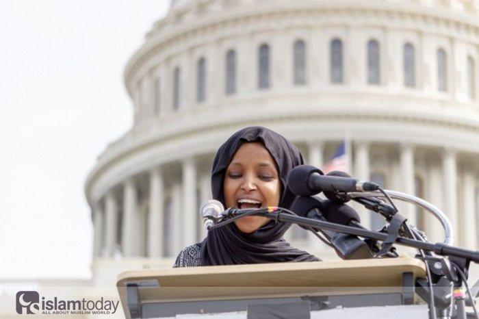 Мусульманки Африки, которыми гордится весь мир. На фото Ильхан Омар (Источник: themuslimvibe.com).