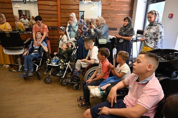 В Казани прошел очередной День благотворительной стрижки