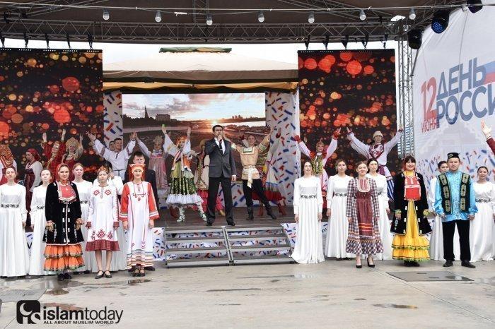 Парад дружбы народов, этно-маркет, фестиваль «Таба».