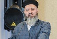В Казани мигранты-мусульмане могут пообщаться с хазратом, не покидая рабочих мест