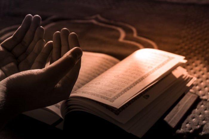 Откуда же взято название этой молитвы? (Фото: unsplash.com).