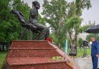 Минниханов посетил обновленный парк имени Тукая в Стамбуле
