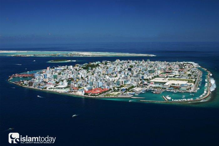 Столица Мальдивских островов - Мале с высоты. Источник фото: Википедия.