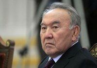 Назарбаев рассказал, почему не может «отойти от дел»