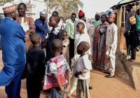 В Нигерии неизвестные похитили 140 школьников