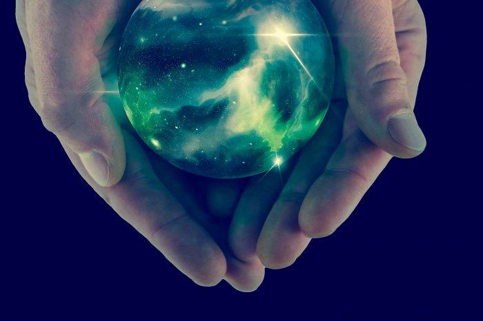 Мирская жизнь подобна тени: если побежишь за ней, никогда не поймаешь (Фото: shutterstock.com).