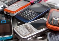 В России растет спрос на кнопочные мобильные телефоны