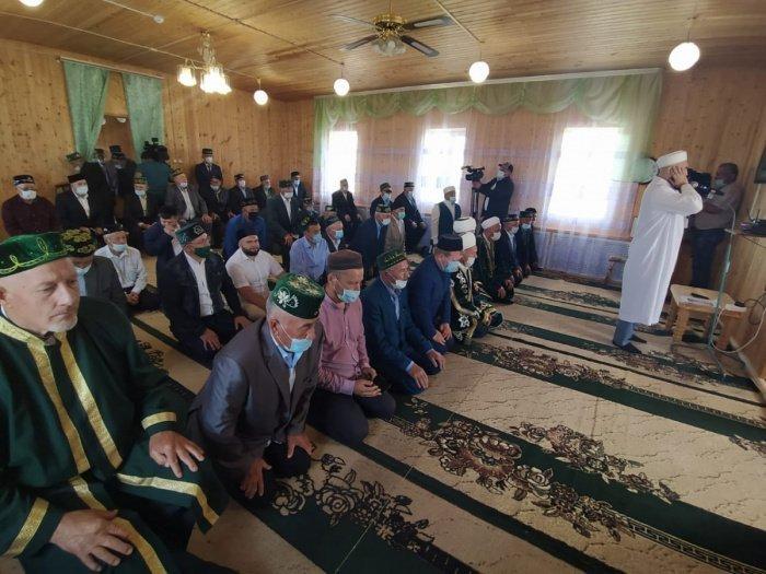 В Дрожжановском районе после ремонта открылась обновленная мечеть (Фото)