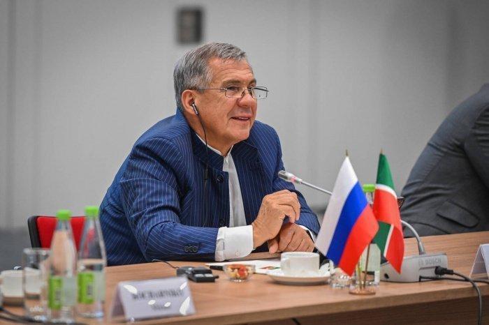 Минниханов встретился с послами стран-членов ОИС