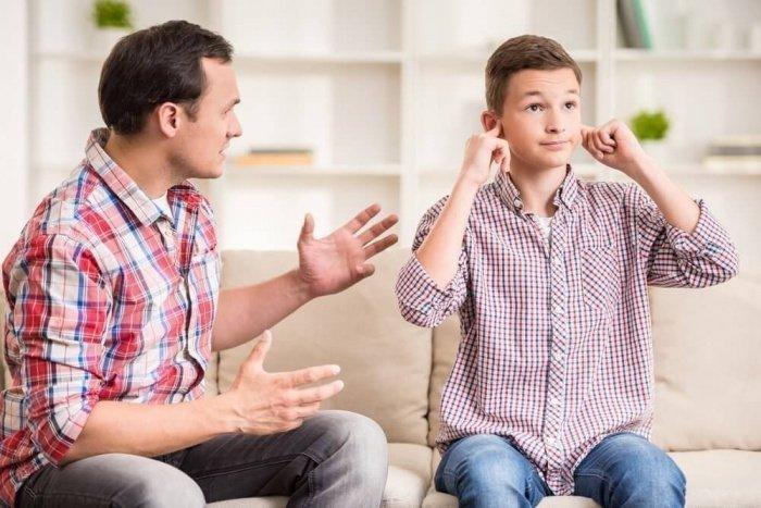 Воспитанием и доверительными отношениями должны заниматься родители (Фото: kidspsychology.ru).