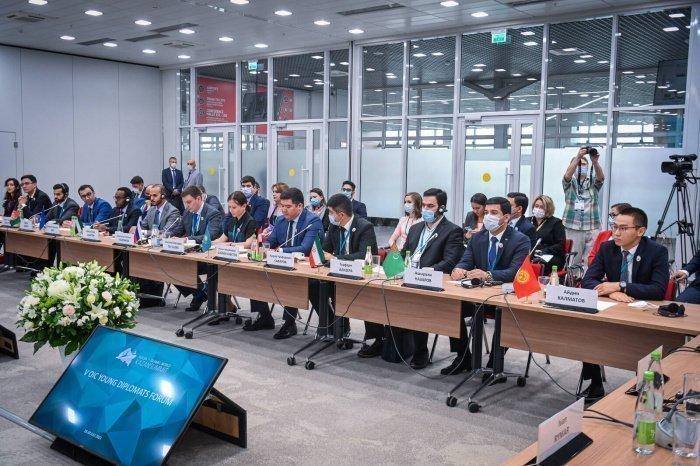 Минниханов встретился с участниками V Форума молодых дипломатов стран ОИС